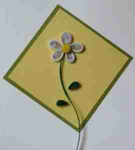 picture of a daisy made by quilling